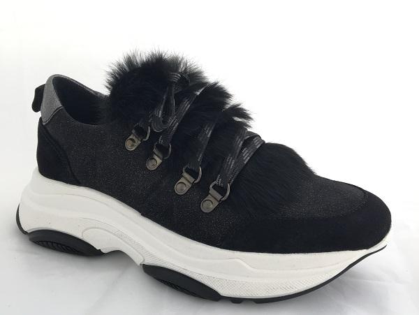 1296709dec7564 Kanna Sneaker mit Fell und hoher Sohle