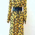 Maxi Kleid mit Leoparden Punkten in Curry Gelb